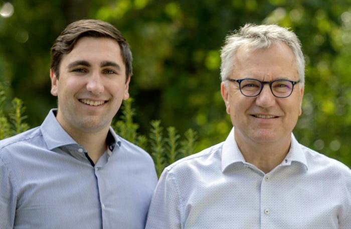 Zwei Generationen: Christopher Gans mit Hans-Peter Gans